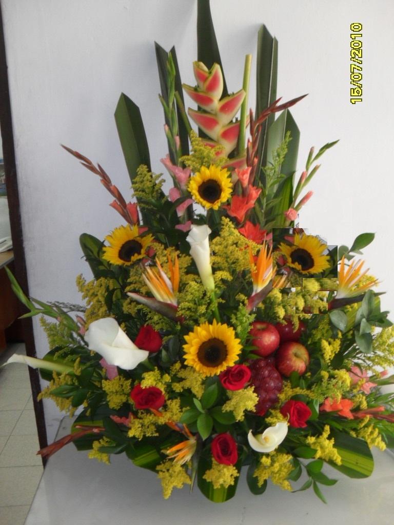 ARREGLO CON FLORES ESPECIALES
